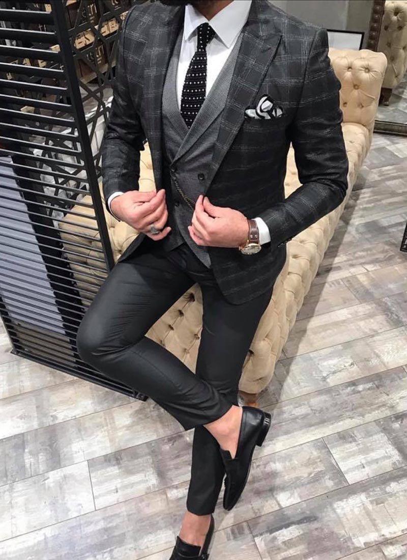 Мъжки втален костюм в черно кариран