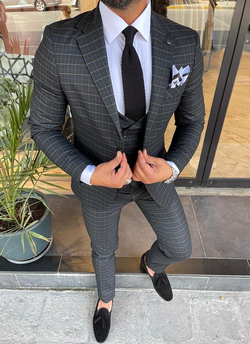 Мъжки черен втален костюм кариран