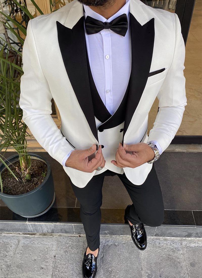Мъжки втален смокинг в бял цвят