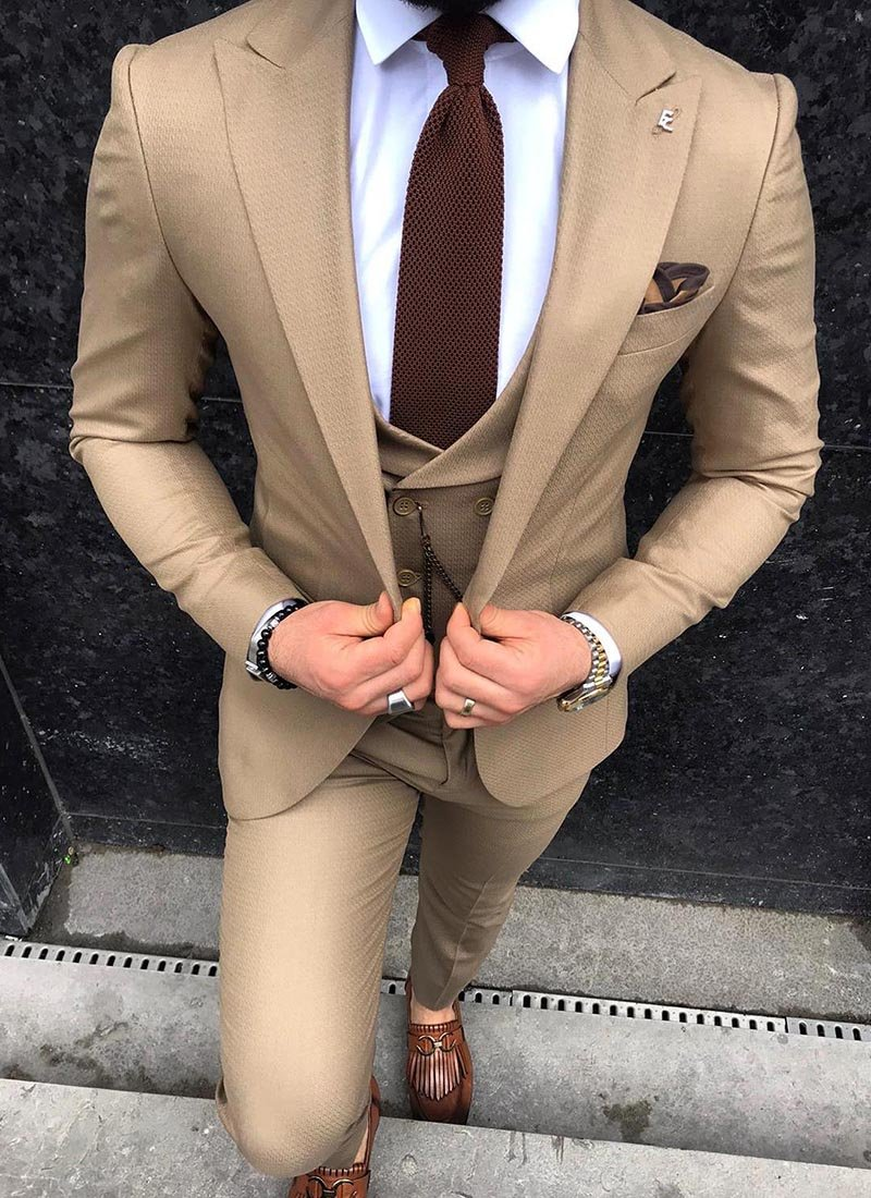 Мъжки втален костюм в кафяв цвят 3811