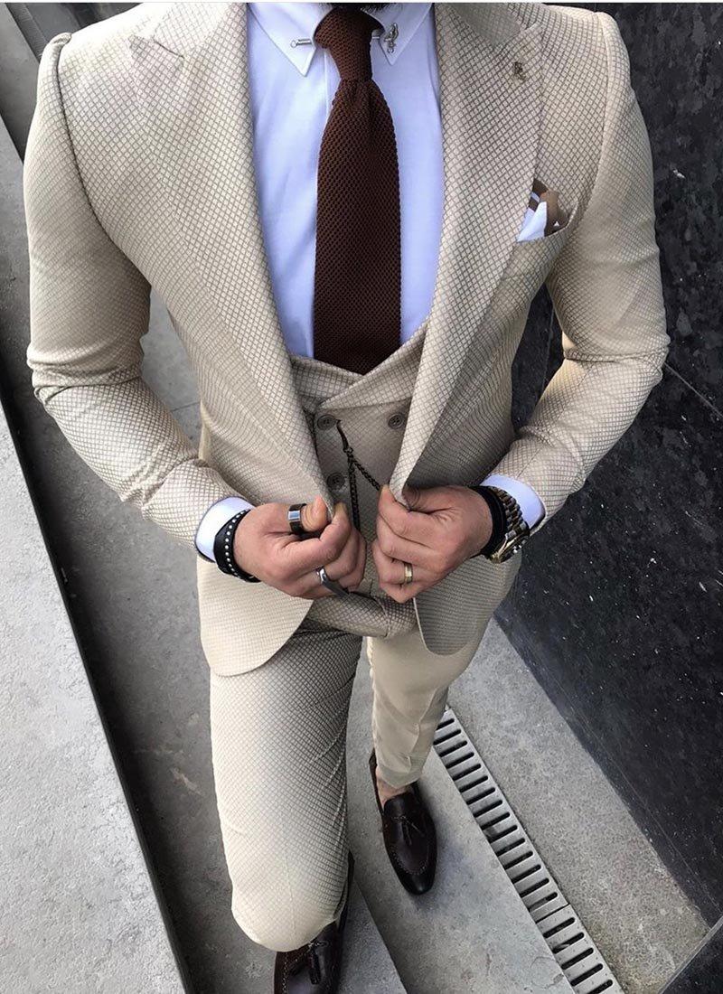 Мъжки втален костюм бежов цвят 3861