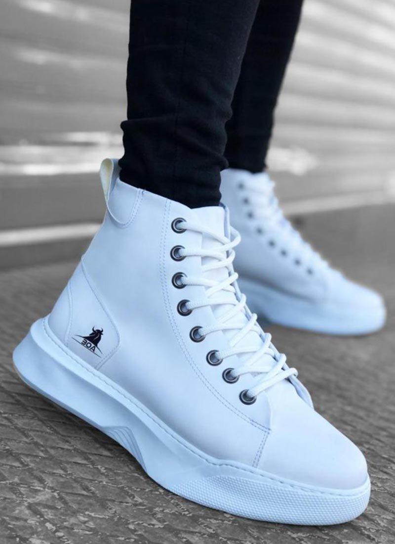 Мъжки високи обувки в бял цвят О229