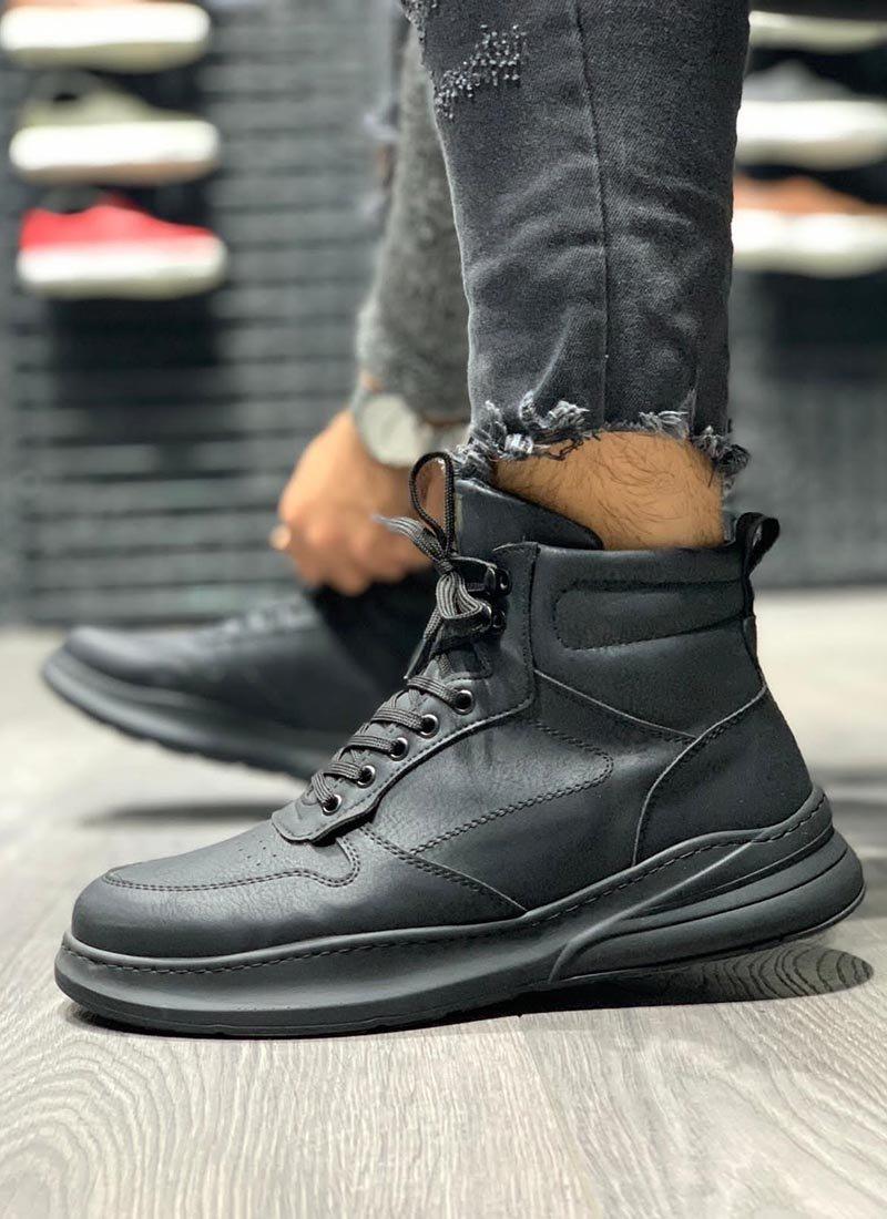 Мъжки високи обувки в черен цвят О234