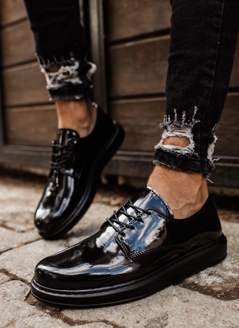 Мъжки ежедневни обувки черни лачени CH003-SHPL