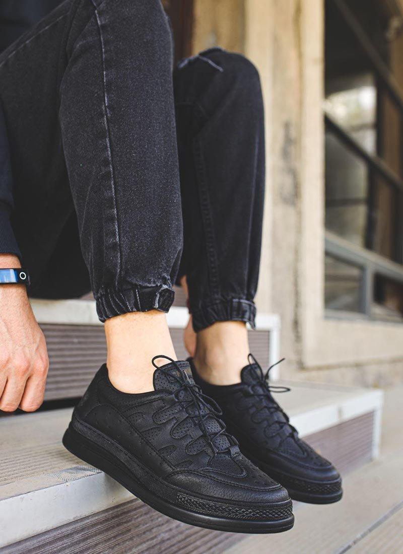 Мъжки ежедневни обувки черни изчистени