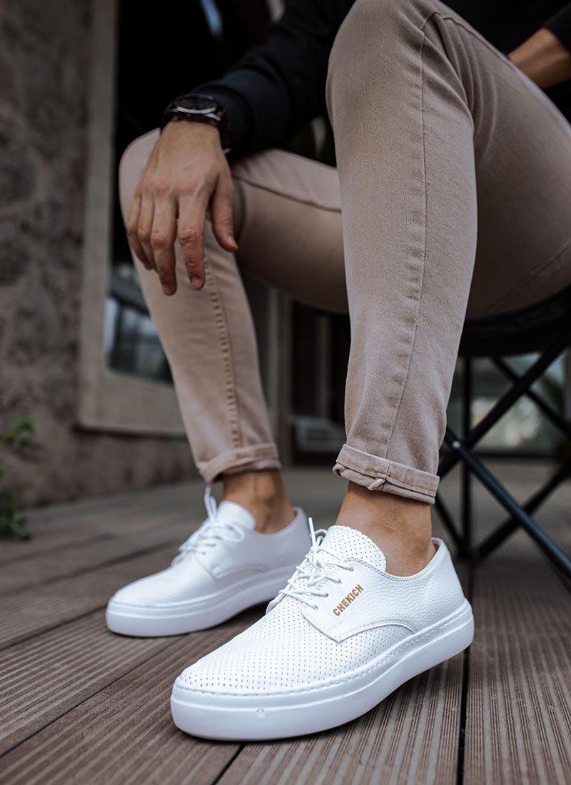 Мъжки ежедневни обувки бели с дупчици