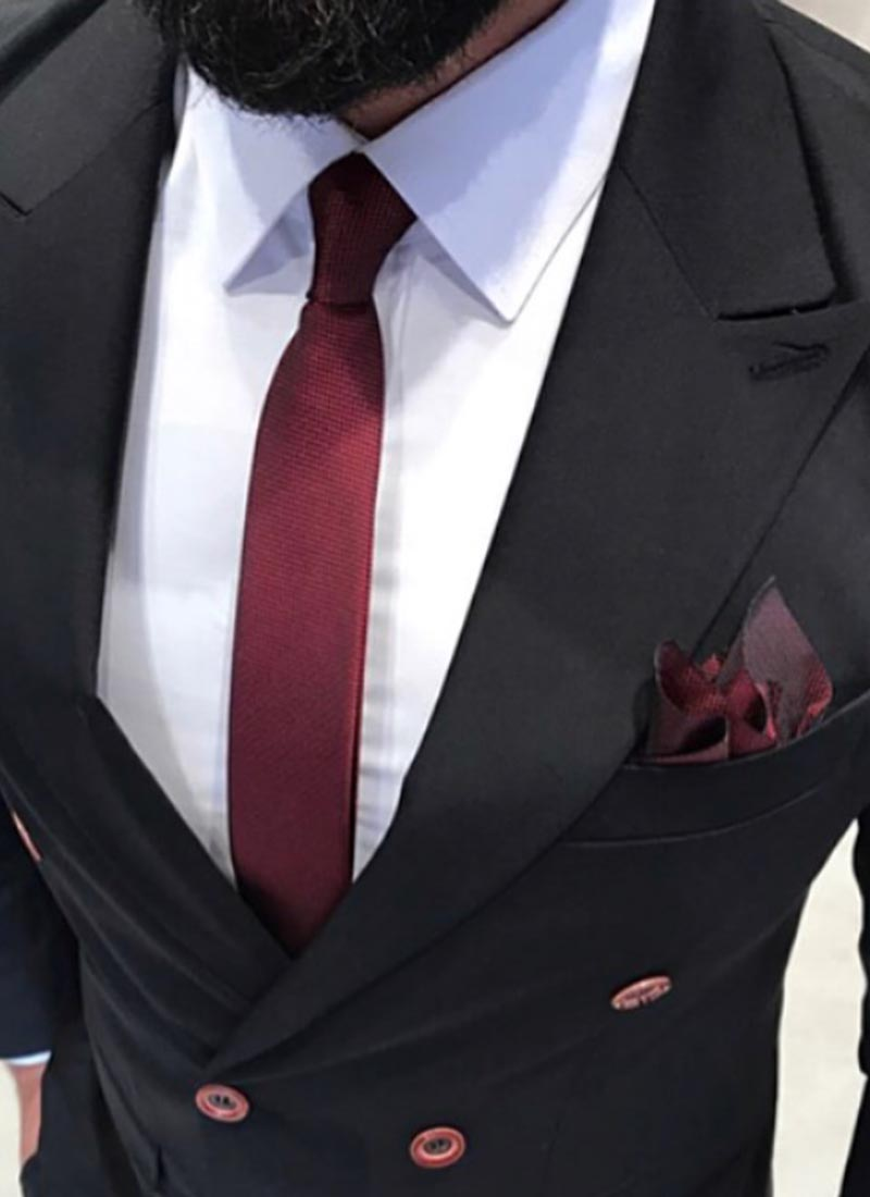 Елегантна вратовръзка в цвят бордо