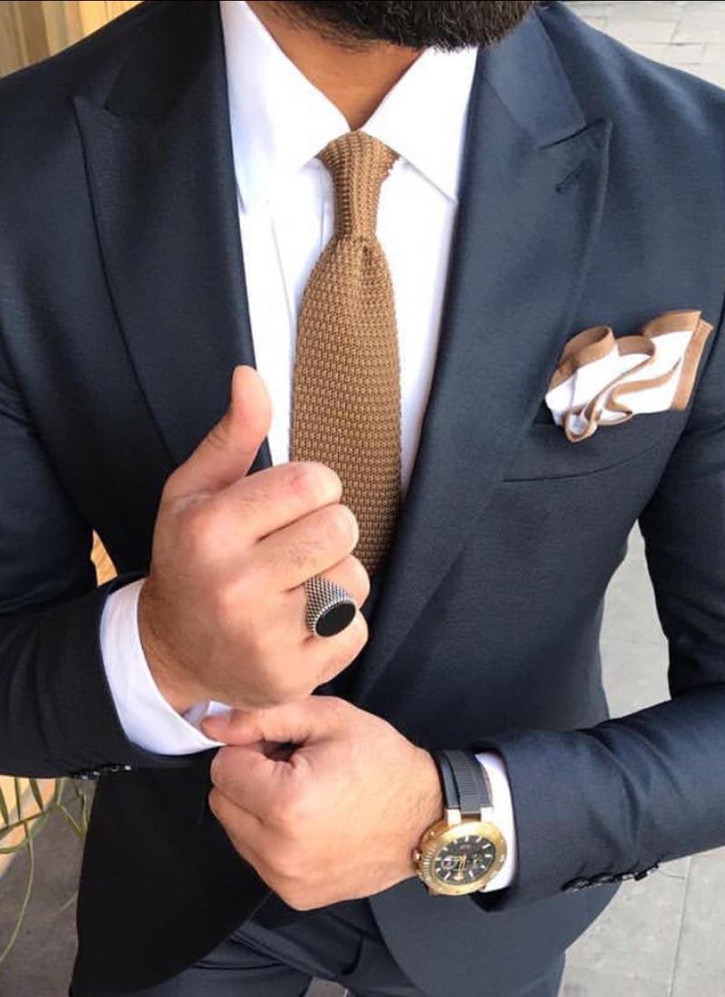 Елегантна вратовръзка светло кафява плетена