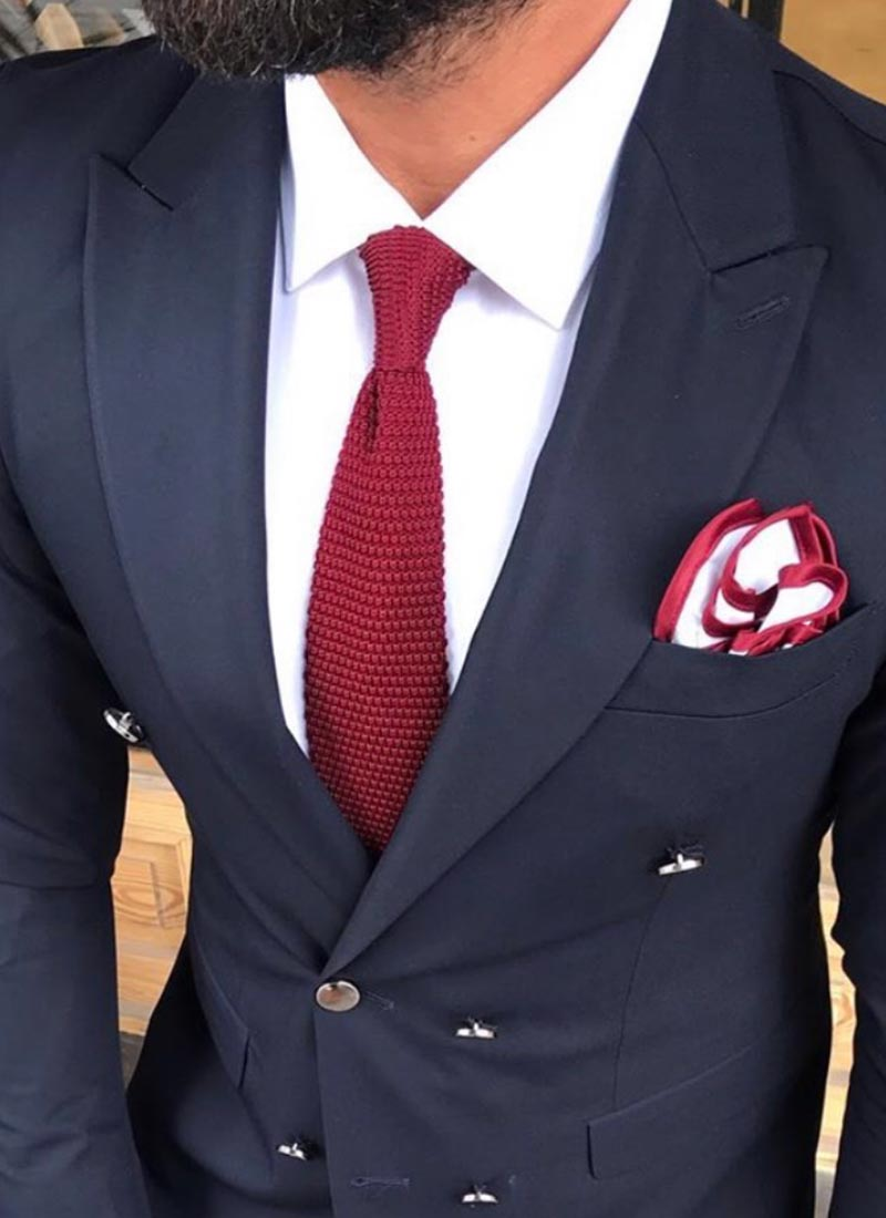 Елегантна вратовръзка червена плетена