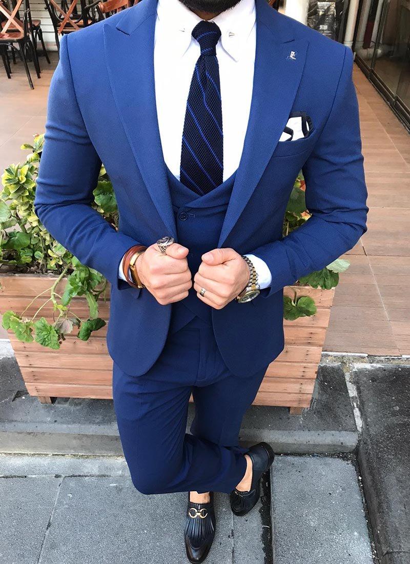Мъжки костюм в наситено синьо 4271-1