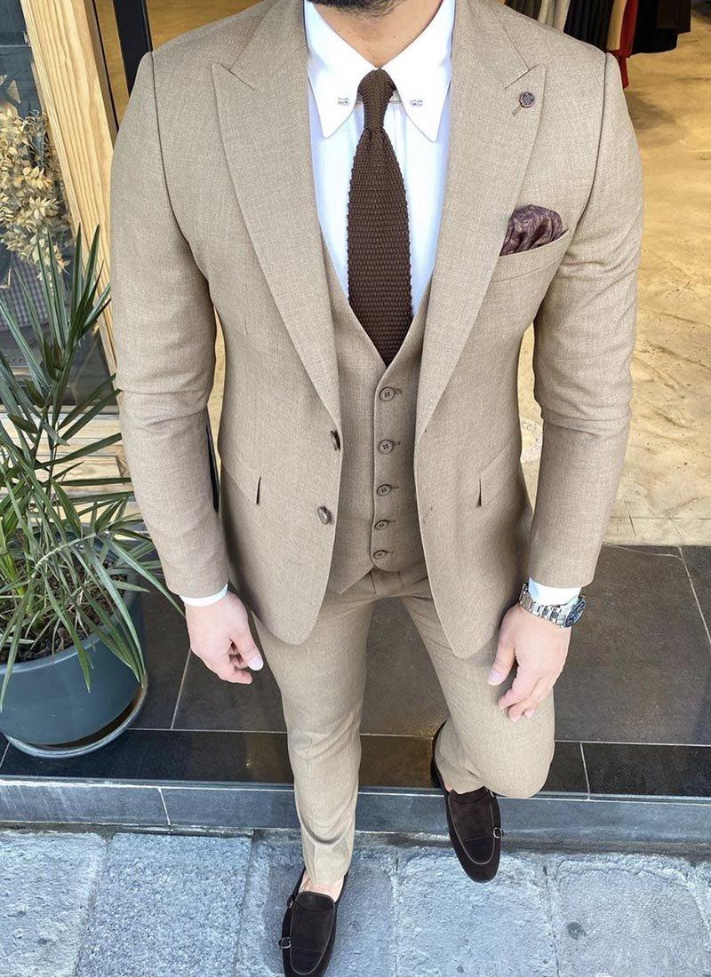 Мъжки костюм в бейов цвят 7217-03