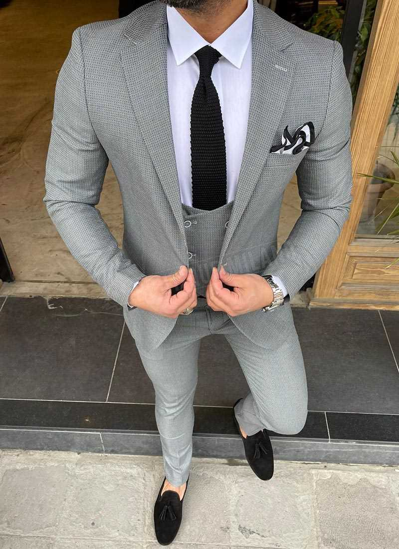 Мъжки втален костюм в сиво изчистен 2101