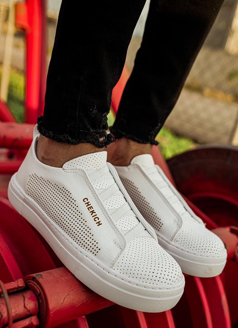 Мъжки обувки в бял цвят CH011