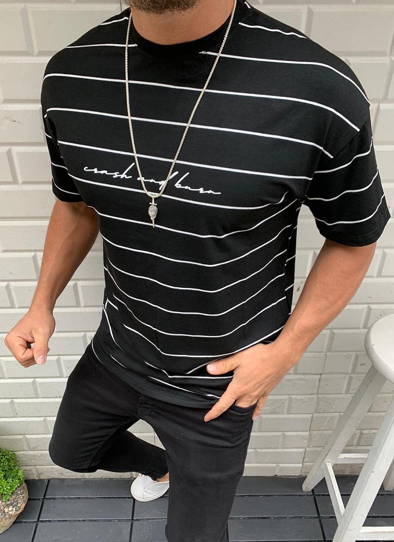 Мъжка черна тениска с бяло райе