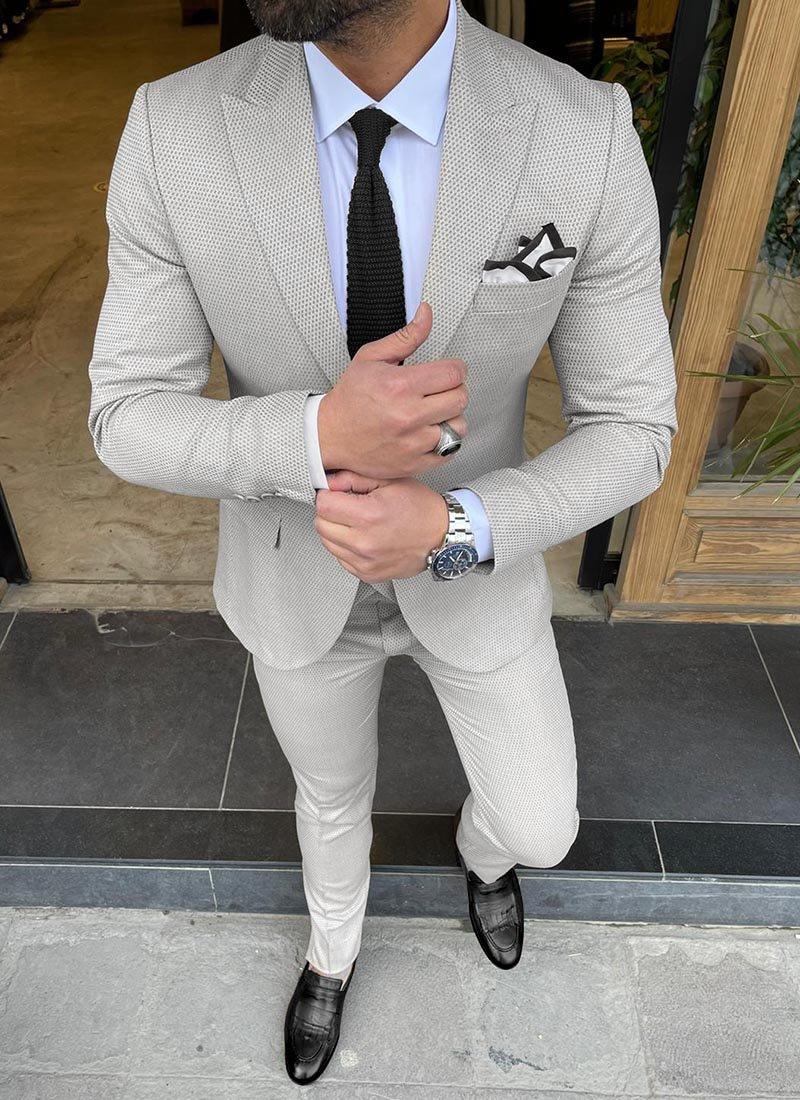 Мъжки втален костюм в сиво изчистен