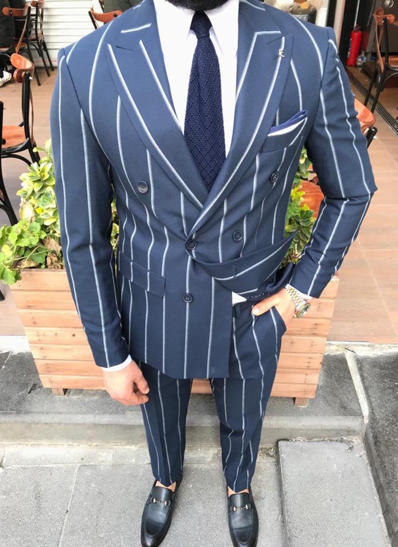 Мъжки костюм тъмно син райе