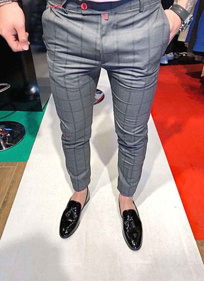Мъжки сив панталон на квадрати