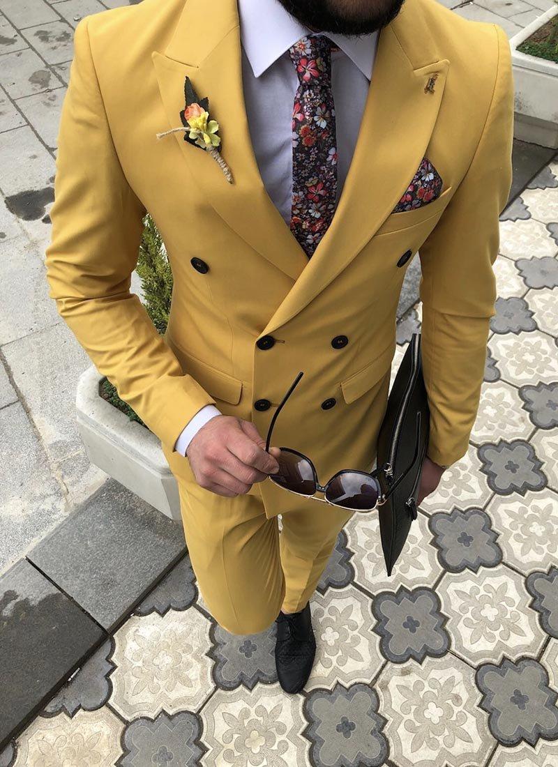 Мъжки втален костюм в жълт цвят