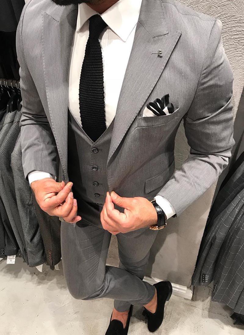 Мъжки елегантен сив втален костюм