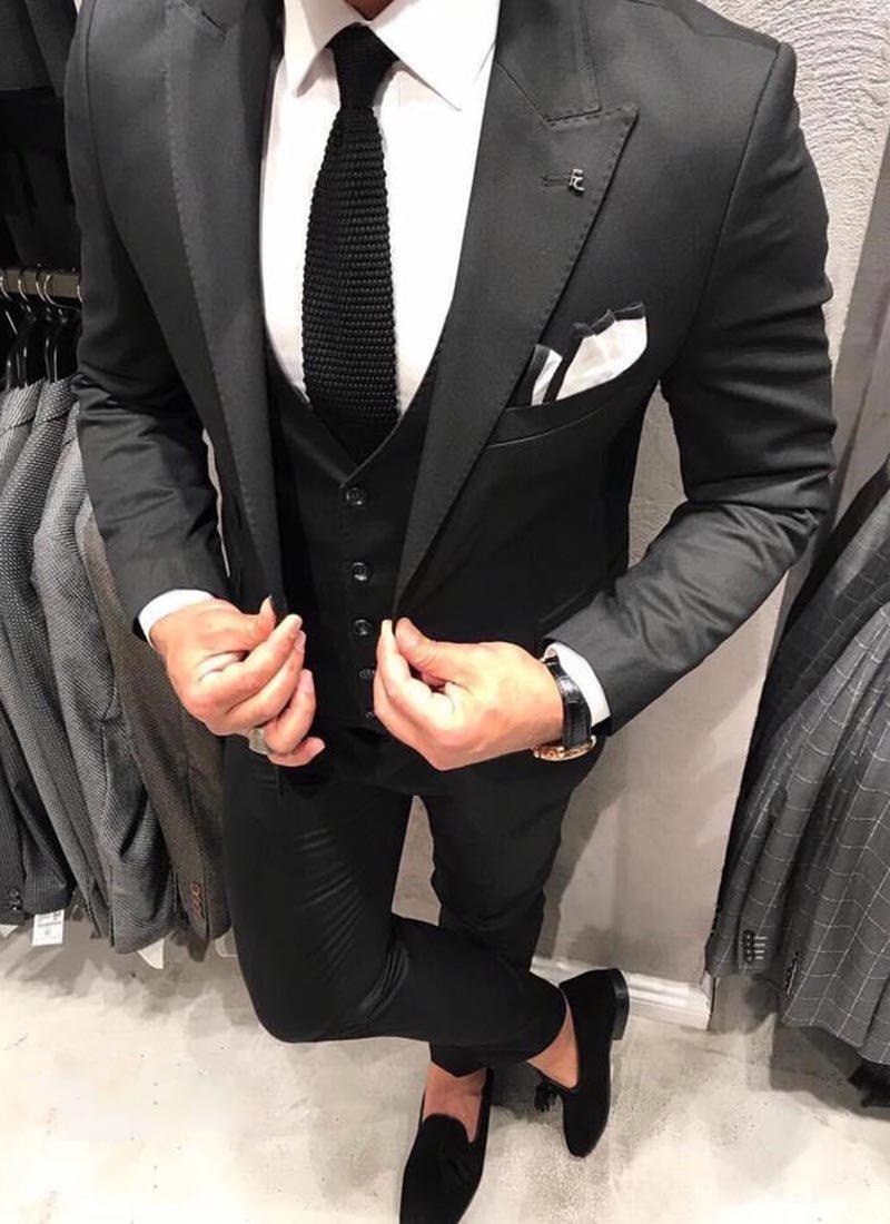 Мъжки елегантен черен втален костюм