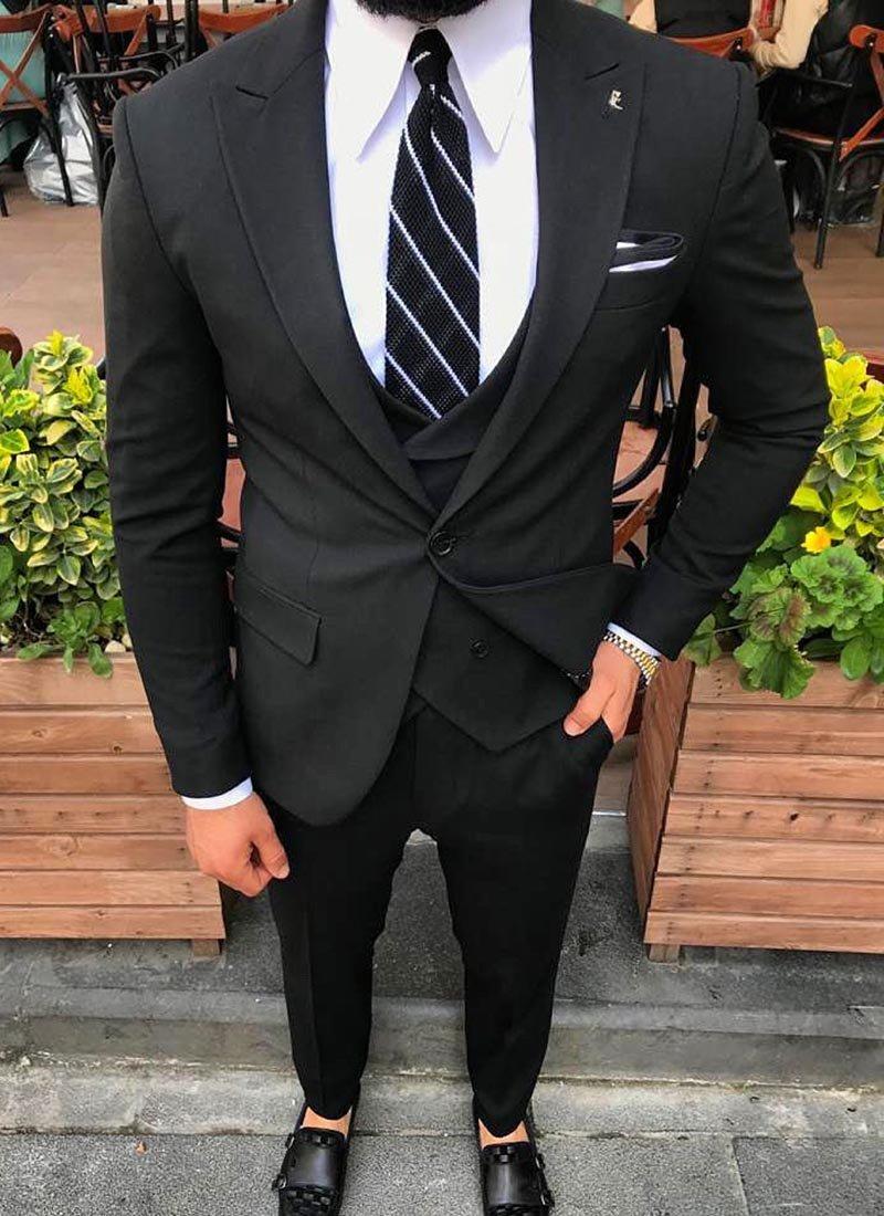 Мъжки елегантен черен костюм