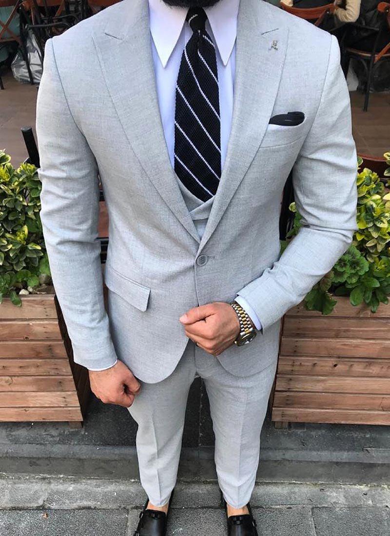 Мъжки елегантен сив костюм