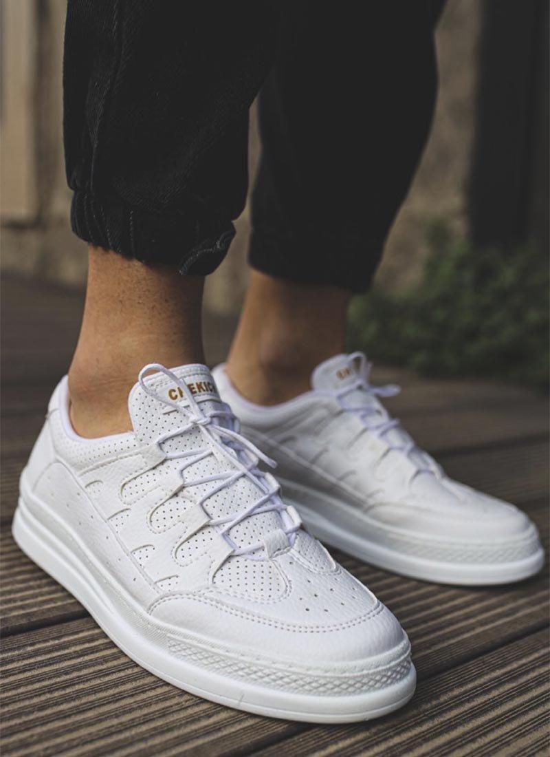 Мъжки ежедневни бели обувки изчистени