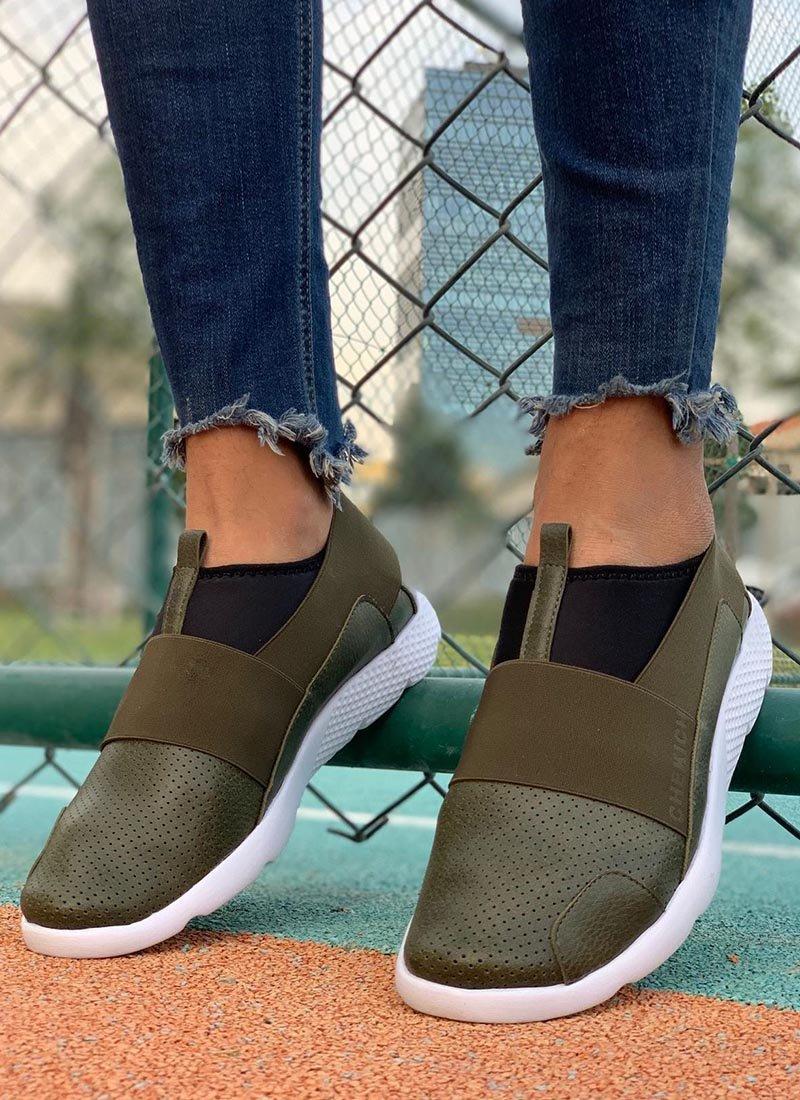 Мъжки обувки в зелен цвят без връзки