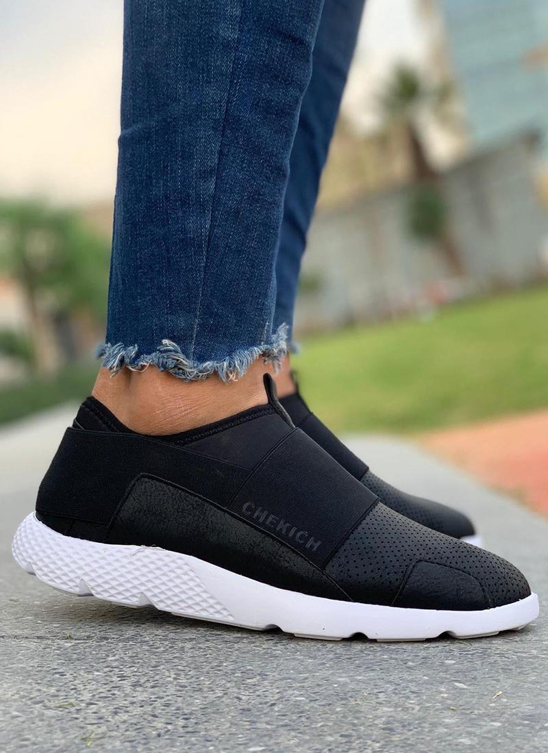 Мъжки обувки в черен цвят без връзки