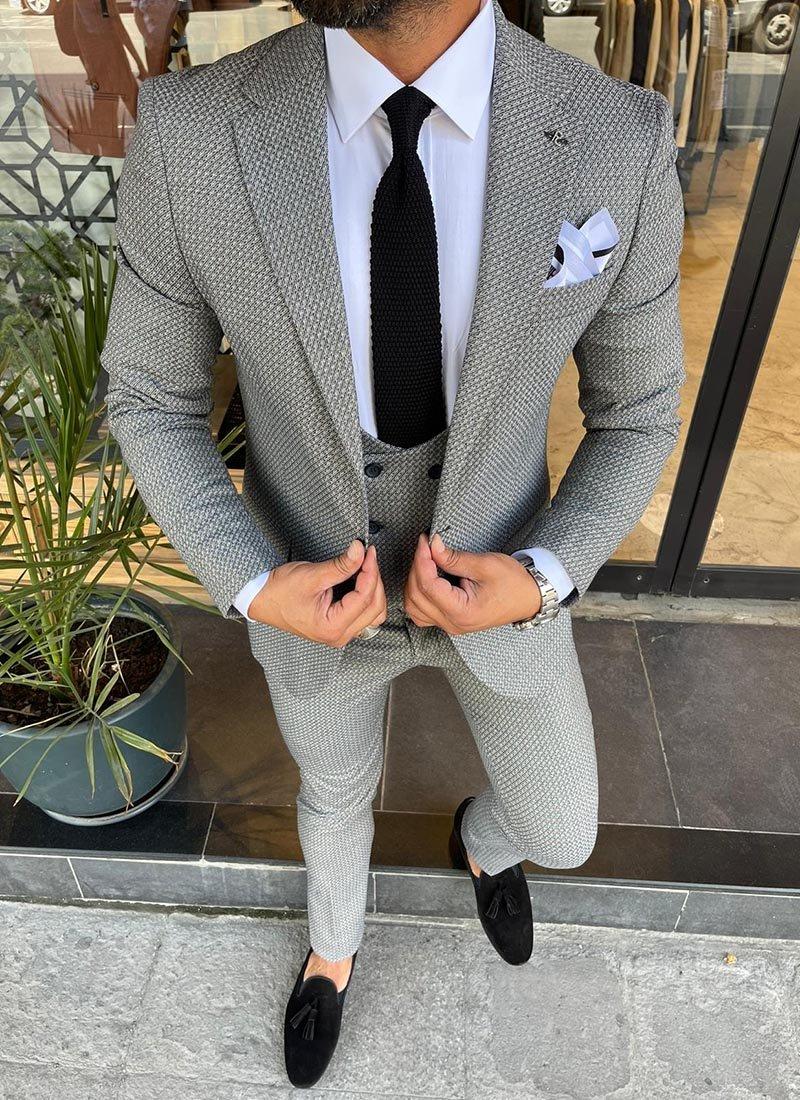 Мъжки втален костюм в сиво