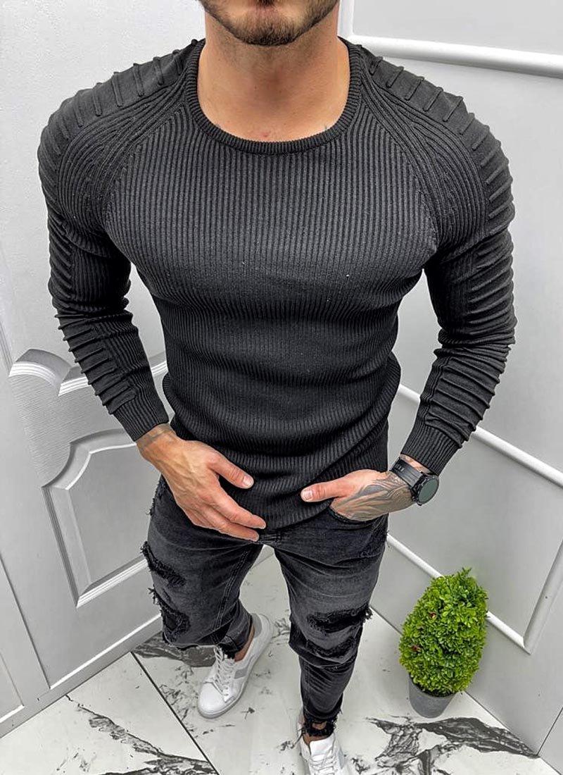 Мъжка блуза в черно с обло деколте