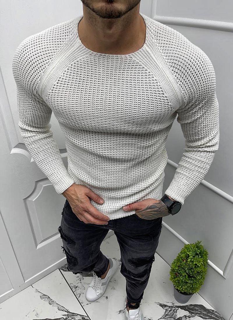 Мъжки пуловер в бяло плетен
